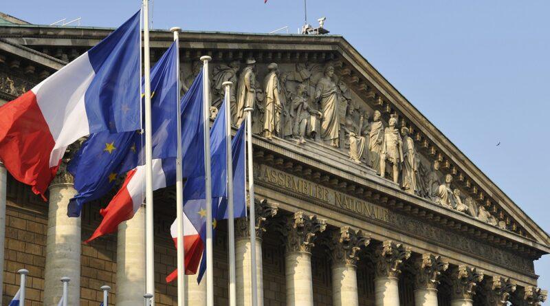 Deux lois sur l'amélioration de la trésorerie et sur l'engagement associatif sont publiées